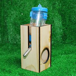 Đế nước gỗ vuông hamster